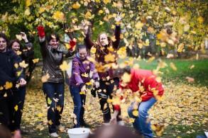 Freude und Lernerfahrungen durch gemeinsame spielerische Aktivitäten in der Natur sind die Basis unserer Bildungsarbeit, internationales LehrerInnenteam bei ESFALP ((c) Lukas Ilgner - www.lukasilgner.at)